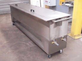 Stainless steel tank on castors